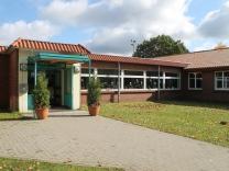 Eingang Schule Trelde